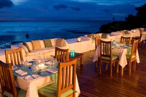 evening dining at the rooftop restaurant