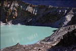 Yukama crater lake / 湯釜(ゆかま)
