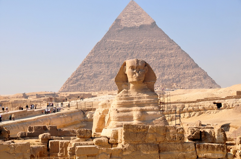 the pyramids of giza and the sphinx