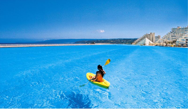 World largest swimming pool san alfonso del mar for Giant swimming pool