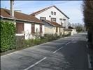 3 maisons préfabriquées, r Industrie
